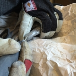 Ordna felaktigheter med hjälp av en slipmaskin, avgjutning av händer