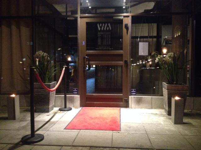 Resturang Vila i Norrköping. Två marschaller krukor kombo